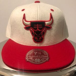 ⚫️🔴 Chicago Bulls NBA Fitted Wool Hat